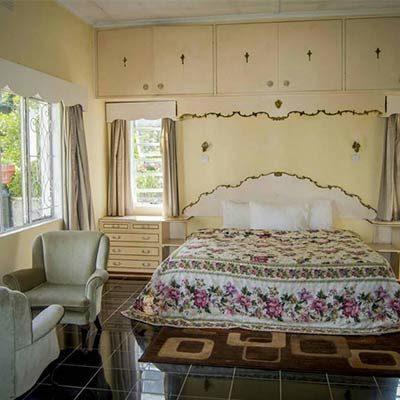 Jacaranda Room Small World Lodge Vumba