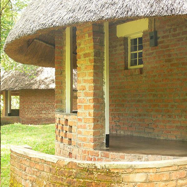 Small World Lodge Mavuradona Chalets